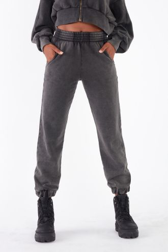 NÜWA Basic Organic Jogger Pants in Washed Black
