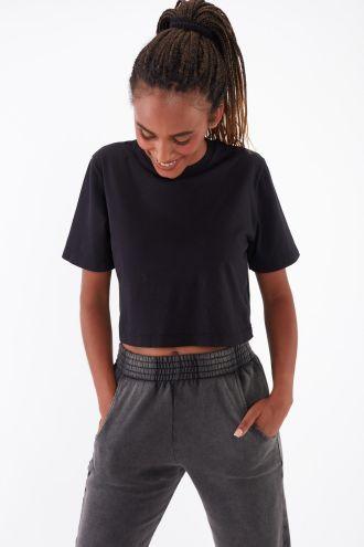 NÜWA Basic Organic Sleeve Crop Top in Black
