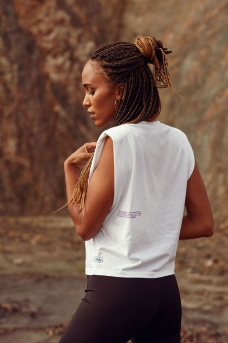 Muscle Tee - Organic Cotton Padded Shoulder T-shirt in white