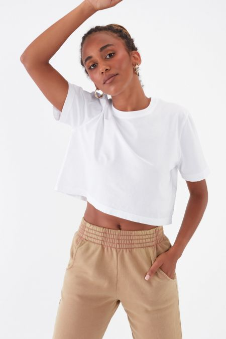 NÜWA Basic Organic Sleeve Crop Top in White