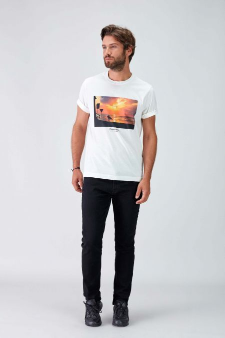 SUNSET -  Recycled Graphic T-shirt in Off White