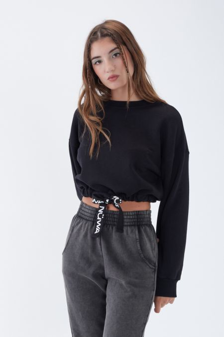 NÜWA Basic Organic Brushed Cropped Sweatshirt in Black