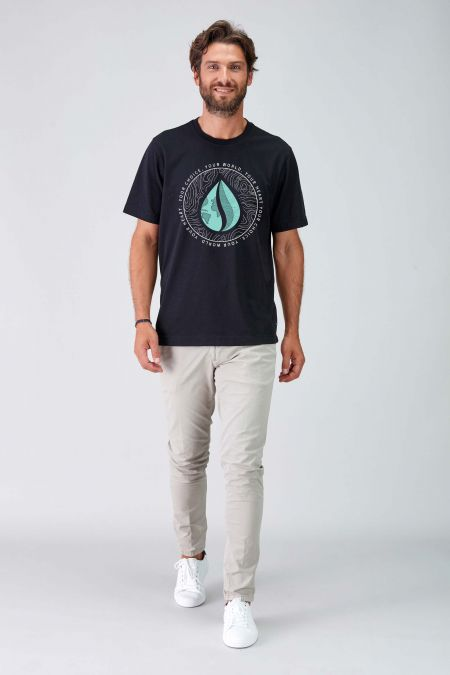 MANTRA - Recycled Graphic T-shirt in Black